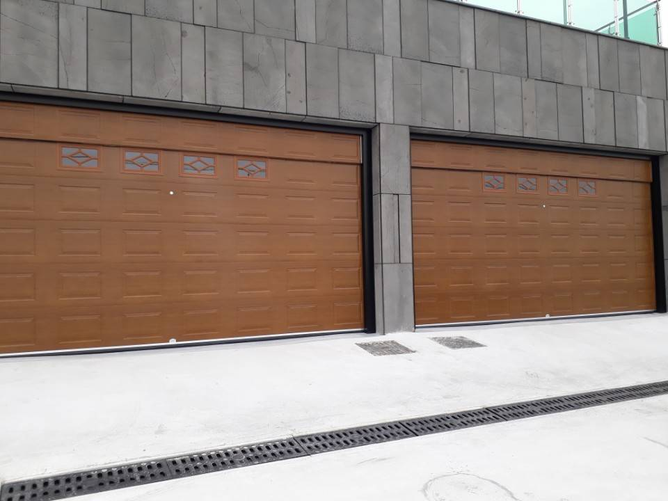 Garage door - Steel