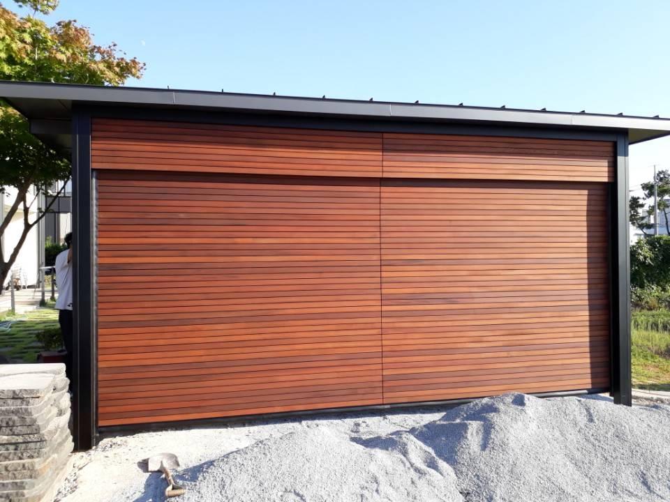 Garage door  - Wood